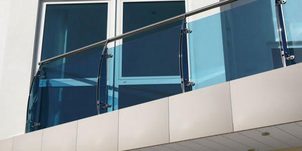 Płyta na balustradę - nowoczesna architektura