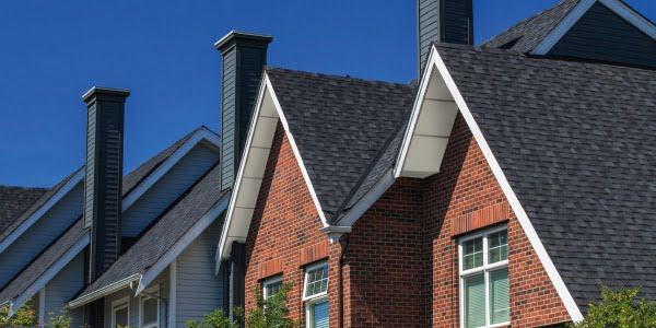 Podbitka dachowa. Wykończenie dachu od spodu.